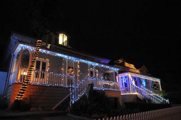 Окленд - рождественские огни на Franklin Road