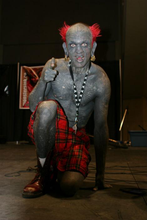 Новозеландец Лаки Даймонд Рич – самый татуированный человек в мире