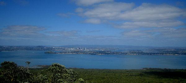 Вид на Окленд со смотровой площадки Рангитото