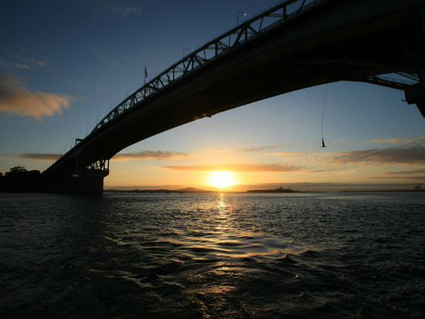 Оклендский мост (Auckland Harbour Bridge)