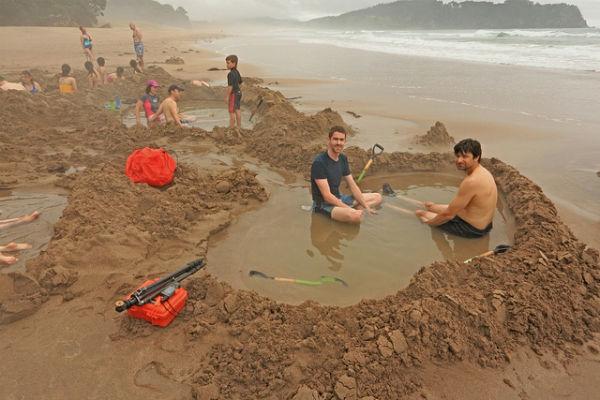 Пляж Hot Water Beach, Коромандел, Северный остров